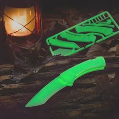 DIY Glow-in-the-Dark Knife Kit by Klecker Knives - $20 #cut #blade #glow #light #cool #gift #green #innovative