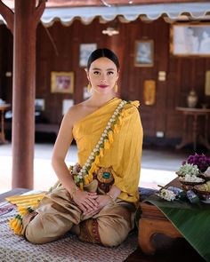 Shooting my third video for Tourism Authority of Thailand this month 🇹🇭 so proud that we get to share lots of amazing culture to you guys 🤩🐝 I'm going to take you to Central region of Thailand this time! Thailand Outfit, Thailand Fashion, Traditional Thai Clothing, Traditional Outfits, Sexy Asian Girls, Beautiful Asian Girls, Vietnam Costume, Thai Wedding Dress, Thai Fashion
