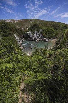 Playa Gulpiyuri - Monumento Natural en Asturias