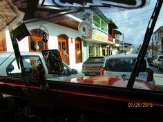 Sunday traffic in Filandia