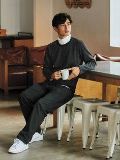UNIQLO STYLING BOOK|コーディネート特集 Promotion Strategy, Uniqlo, Normcore, Poses, Style, Fashion, Figure Poses, Swag, Moda