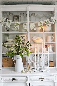 Change the china cabinet to this theme in the spring.