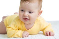 Recentemente, eu contei aqui no blogas habilidades que a maioria dos bebês até três meses desenvolvem (e como é possível estimulá-los nesse período). No p