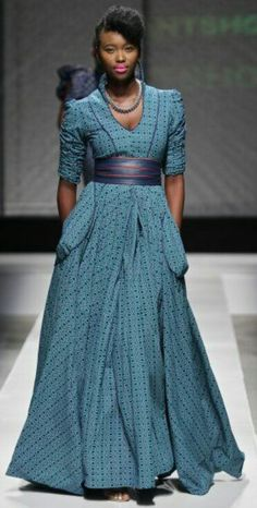 Mantsho ~ South Africa Fashion Week ~ African Style Yes, Ankara chic! African Inspired Fashion, African Print Fashion, Africa Fashion, Fashion Prints, Fashion Design, Men's Fashion, Fashion Dresses, African Attire, African Wear