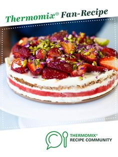 Strawberry and watermelon cake with vanilla cream (recipe by Nico Moretti) by Thermomix in Australia. A Thermomix ®️️ recipe in the category Desserts & sweets on www.recipecommunity.com.au, the Thermomix ®️️ Community.
