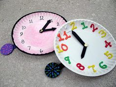 Easy and educational kids craft- have kids make clocks out of paper plates and turn it into a fun lesson about telling time