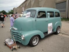 This is a classic COE Suburban. This would be a good vehicle to fit between a classic school bus and a classic van