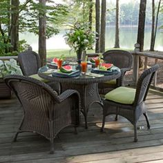 Classic Wicker Dining by Summer Classics