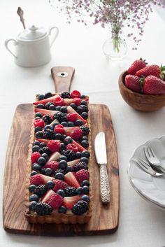 Fresh Berries Tart. #tart #strawberries #blueberries #grapes #fruits #food #foodart
