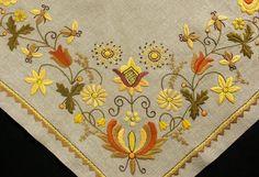 Folk Fashion, Fashion Sewing, Arte Popular, Embroidery Patterns, Folk Art, Elsa, Floral Design, Mexican, Polish