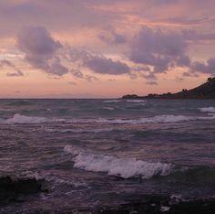•purple• ☆ @xnbdy ☆ Beautiful Sky, Beautiful World, Beautiful Places, Sky Aesthetic, Sky Sea, Dark Skies, Sunset Sky, Waves, Scenery