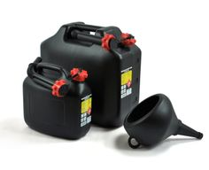 5L ja 18L bensakanisterit ja supersuppilo! 5L and 18L gasoline canisters and a funnel. Made in Finland. The perfect combo!