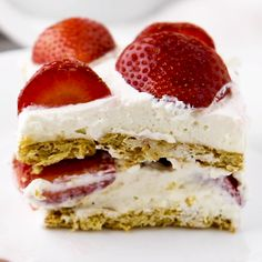 Strawberry Refrigerator Cake (Strawberry Icebox Cake Filipino Style) This strawberry refrigerator cake (or the Filipino version of strawberry icebox cake) is sweet, creamy and perfect on a warm sunny day. Strawberry Refrigerator Cake, Strawberry Icebox Cake, Strawberry Dessert Recipes, Strawberry Shortcake, Delicious Desserts, Yummy Food, Tasty, Filipino Desserts, Filipino Recipes