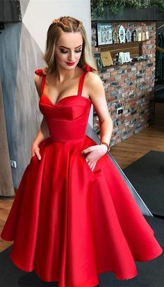 Lace Short Prom Dress, Red Strap Party Dress, Open Back Homecoming Dress Kurze Prom Spitzenkleid, Red Strap Partykleid, Open Back Homecoming Kleid Red Satin Prom Dress, Short Red Prom Dresses, Tea Length Bridesmaid Dresses, Prom Dresses With Pockets, Tea Length Dresses, Trendy Dresses, Sexy Dresses, Evening Dresses, Casual Dresses