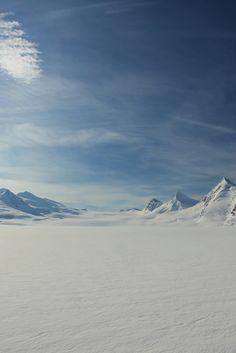 El Ártico (Donde se situan la Casa/Centro de investigación y el Hangar de mechas)