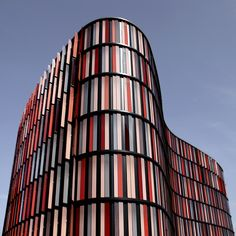 Oval Offices building in Cologne, designed by Sauerbruch architects photo by brancolina