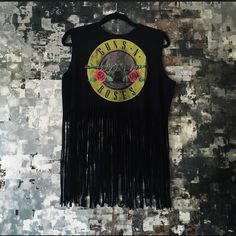[fringe] fringe   guns n roses   top  free gift with purchase   ships in two business days   please ask questions before purchase   offers only considered with tool   10% off bundles  visit me on social media: instagram @flowersandgray snapchat: flowersandgray  xo, jess Tops Muscle Tees