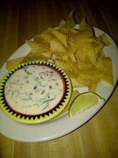 Espinaca Dip (Fabulous Appetizer Yummy dip similar to the one at Jose Pepper's! Espinaca Dip (Fabulous Appetizer Yummy dip similar to the one at Jose Pepper's! Dip Recipes, Mexican Food Recipes, Great Recipes, Cooking Recipes, Favorite Recipes, Ethnic Recipes, Copycat Recipes, Crockpot Recipes, Delicious Recipes