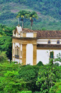 Forte do Defensor Perpétuo - Paraty\RJ Colonial, Explore, Mansions, House Styles, Paraty, Grass, Rio De Janeiro, Garden, Brazil
