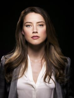 Ideas For Makeup Wallpaper Smile Beautiful Young Lady, Most Beautiful Faces, Beautiful Gorgeous, Beautiful Women, Fotos Amber Heard, Amber Heard Hot, Amber Heard Makeup, Amber Hard, Hollywood Actresses