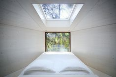 TREE SNAKE HOUSE — RA Architects PEDRAS SALGADAS \\ PORTUGAL \\ 2013