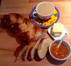 One of my favourite international breakfasts: Brioche vendéenne Find an easy recipe how to make Brioche. Breakfast Recipes, French Toast, Easy Meals, Blog, Brioche, Blogging, One Pot Dinners, Easy Dinners, Fast Meals