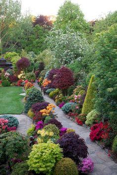 Garten Top 15 DIY Yard Landscaping Design Ideas How Contemporary Office Furniture Can Help Your Garden Shrubs, Garden Paths, Garden Planters, Large Backyard Landscaping, Landscaping Ideas, Backyard Ideas, Backyard Privacy, Landscaping Borders, Inexpensive Landscaping