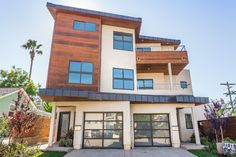La Jolla Multi-Unit properties for Sale. Find a great investment here!