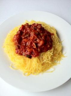 How many of you have tried spaghetti squash? I love pasta but don't need all the calories and carbs that come with it. Thankfully, a HUGE plate like this of spaghetti squash is only 68 calories, 16g carbs, and 2g protein. Top that off with a homemade veggie sauce (going strong with the no meat no dairy challenge ;) ) for a total of 248 calories for the ENTIRE meal. Not bad right?