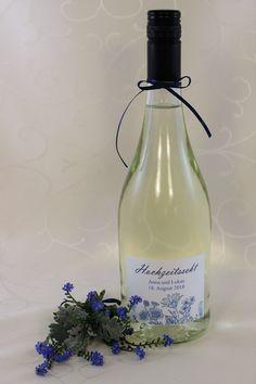 """Hochzeitssekt-Etikett """"Fleur"""" Bottle, Design, Home Decor, Birth, Flask, Interior Design, Design Comics, Home Interior Design"""