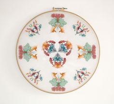 Psychic circles (emblème), broderie, 2013. http://www.celinetuloup.com/psychic.html
