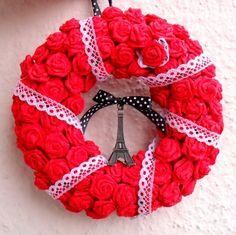 Párizs ajtódísz piros rózsákból - rendelhető, Dekoráció, Otthon, lakberendezés, Dísz, #meska #paris #wreath Handmade Crafts, Hanger, Wreaths, Diy, Clothes Hanger, Door Wreaths, Bricolage, Clothes Hangers, The Hunger