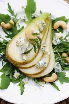 Pear and Gorgonzola Green Salad, looks amazing but after looking at instructions...much easier than pie