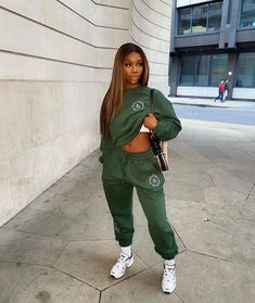 Edgy Outfits, Cool Outfits, Bratz Doll Outfits, Beautiful Black Girl, Street Outfit, Capsule Wardrobe, Black Girls, Streetwear, Womens Fashion