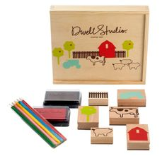 A farm stamp set is always a classic gift for the little ones.