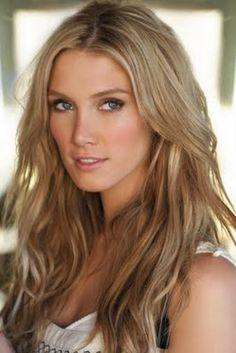 Delta Goodrem – beautiful natural looking blonde! #hair #balayage #honey #ash