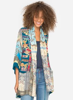 Koben Journal Embroidered Kimono Description: Crafted from a luxe silk twill and featuring the relaxed fit of a traditional kimono jacket, this one also features a striking embroidery design on the front, Trendy Clothes For Women, Cardigans For Women, Trendy Clothing, Boho Fashion, Fashion Outfits, Fashion Clothes, Womens Fashion, Plus Size Corset, Traditional Kimono
