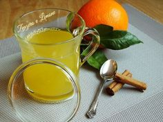 Anti-flu preparation- Preparato antinfluenzale This herbal tea against nervous hunger is very pleasant and very simple to make. It is based on cinnamon and orange and helps to give a sense of satiety. Healthy Drinks, Healthy Tips, How To Stay Healthy, Healthy Recipes, Veggie Recipes, Health And Beauty, Health And Wellness, In Natura, Holistic Remedies