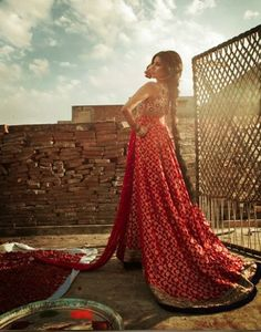 Lady in redq