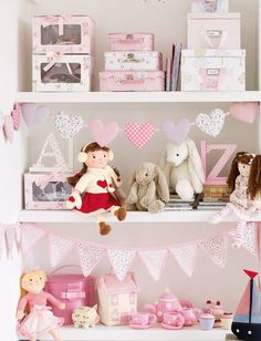 This beautiful girl's bunting has been designed to co-ordinate with our charming Bella Butterfly range and will prove a perfect decorative addition to any girl's bedroom.