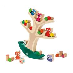 Badaboom est un arbre d'équilibre sur lequel l'enfant, seul ou à plusieurs, doit placer 6 animaux, 8 feuilles et 8 fruits en bois. Pour poser ces pièces avec succès, sans que l'arbre perde l'équilibre, l'enfant doit avoir des gestes précis et délicats. Il doit aussi réfléchir au meilleur emplacement de chacune des pièces pour que l'arbre à bascule reste droit. Ce jeu d'adresse et de réflexion apprend aussi aux enfants le lien de cause à effet. Ce jeu de société Badaboom développe la…