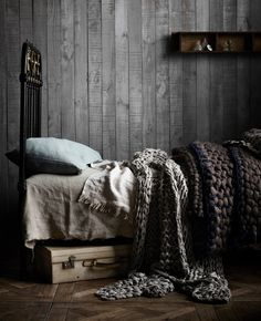 Charcoal wooden walls with fantastic chunky woollen throws on the bed – via The Design Files Home Bedroom, Bedroom Decor, Bedrooms, Bedroom Linens, Gray Bedroom, Design Bedroom, Bed Linens, Bedroom Colors, Bedroom Furniture