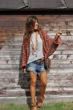 Hippie outfits, whimsical fashion, boho fashion, fashion outfits, estilo hi Hippie Style, Looks Hippie, Look Hippie Chic, Boho Looks, Bohemian Style, Boho Outfits, Casual Summer Outfits, Women's Summer Clothes, Boho Spring Outfits