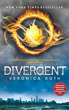Divergent novel by Veronica Roth with English version language