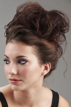 Outstanding Messy Buns Vacation Hair And Buns On Pinterest Hairstyles For Women Draintrainus