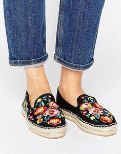 ASOS JUNE FLOWER Embroidered Espadrilles   29,99 €   970187