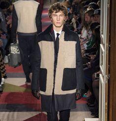 #VALENTINO #FW1617 Valentino, Instagram Posts, Style, Fashion, Swag, Moda, Fashion Styles, Fashion Illustrations, Outfits