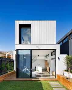 Fascinating Architecture: Building Ideas For Designers - House Topics Melbourne Architecture, Residential Architecture, Amazing Architecture, Architecture Design, Architecture Diagrams, Architecture Portfolio, Townhouse Exterior, Small Modern Home, Property Design