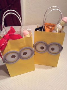 Minion Birthday Party Bags / Giveaways / Treats / Loot bags Read more at: http://meowchie.snydle.com/minion-birthday-party-ideas.html | Meowchie's Hideout