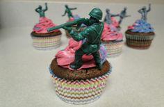 Army man cupcakes